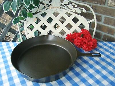 """Wagner"" Sidney O Cast Iron #12 Skillet – with Heat Ring and Arched Logo"