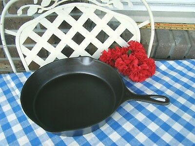 Wagner Ware Sidney -O- Cast Iron #9 Skillet – #1059 with Heat Ring