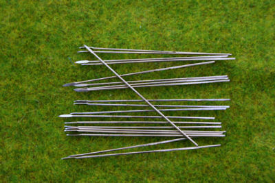Metal Thin wire Spears & Javelins 50mm long Pack of 20 spears