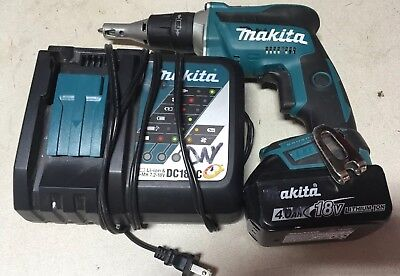 Makita XSF03 18V Cordless Brushless  Drywall Screwdriver with Battery + Charger