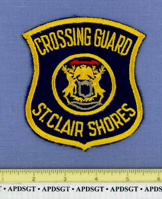 ST CLAIR SHORES SCHOOL CROSSING GUARD (Old Vintage) MICHIGAN Police Patch