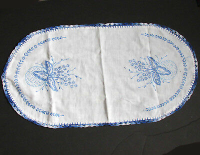 """Hand Embroidered Floral Vintage Dresser Scarf Doily 21"""" Crochet Edge FREE SH"""