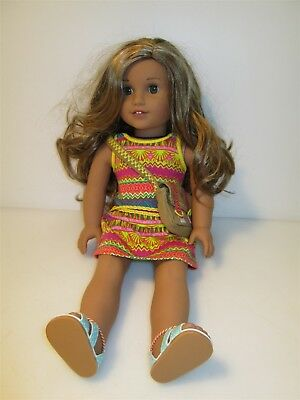 """18"""" American Girl Doll Long Blond Hair Green Eyes Outfit and Satchel"""