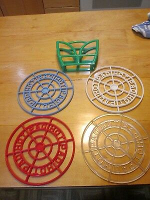 """4 Plasmetl Vintage Plastic Hot Pads and Holder. Made In The USA Excellent 7"""""""