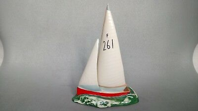 Beswick Yacht / Dinghy 1610 - Red Dinghy With Number 261 On Sail