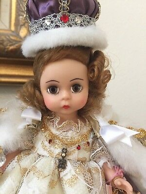 RARE Madame Alexander Doll Once Upon a Stand Queen Elizabeth II Coronation