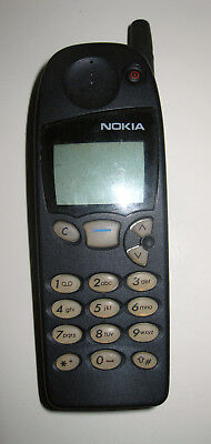 VINTAGE Old School ICONIC NOKIA 5110 CLASSIC MOBILE PHONE NSE-1NX WITH CHARGER