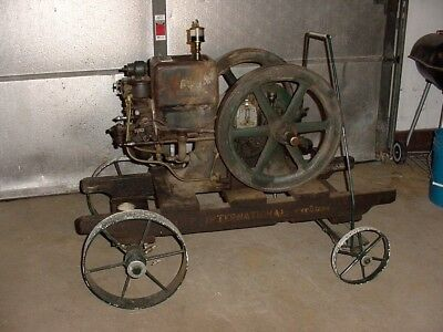 """Old Style IHC """"M"""" McCormick Deering Hit Miss Gas Engine W-Rotary Mag & Ignitor"""