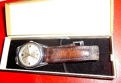 "vintage Swiss made 17 jewel ""Wingartens"" gents wristwatch in original box"