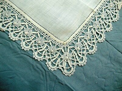 VINTAGE ANTIQUE HAND MADE LACE WEDDING Handkerchief Hanky Hankie LN5