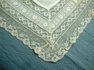VINTAGE ANTIQUE HAND MADE LACE WEDDING Handkerchief Hanky Hankie LN4