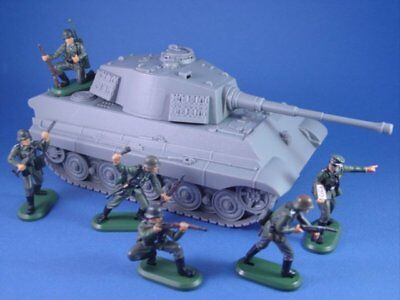 BRITAINS DEETAIL WWII German Infantry BMC TIGER TANK Set 7 Pieces 1/32 FREE SHIP