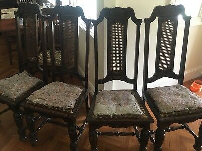 Antique dinning table and 4 chairs. Restoration/ reupholster needed. Oak wood.