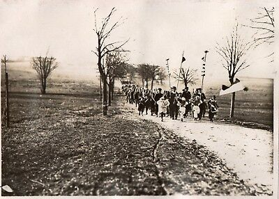 Photo USA - Villageois escortant le regiment à LOMMERANGE pres TRIEUX 1914 1918