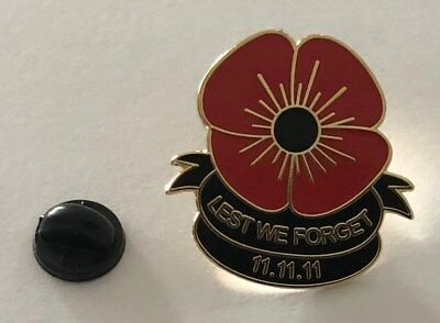 Lest We Forget Badge Remembrance Day Poppy Badge 11.11.11 Lapel Badge