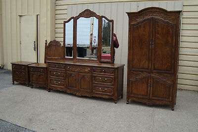 59655 THOMASVILLE Oak Bedroom Set Headboard, Dresser with mirror and High Chest
