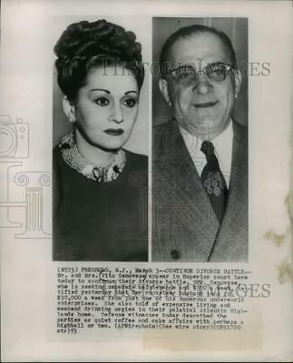 1953 Press Photo Mr and Mr.s Vito Genovese Appear in Superior Court for Divorce