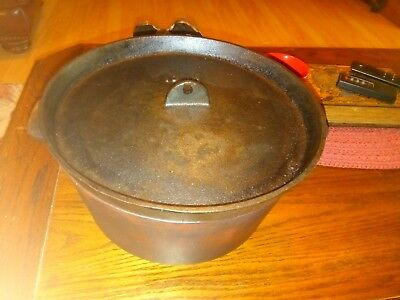 Vintage 3 footed cast iron dutch oven no.10 BSR CHUCK WAGON USA