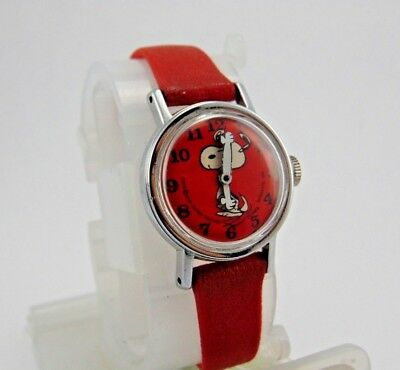Vintage 1958 United Feature Syndicate Inc Snoopy Watch Red Peanuts Silver Tone