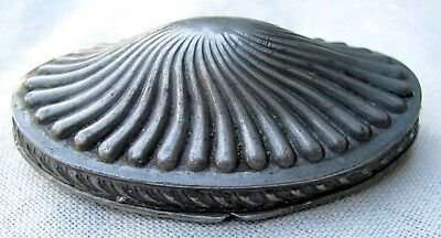 UNUSUAL SHELL PATTERN c.1830 HAND ENGRAVED ENGLISH PEWTER TOBACCO / SNUFF BOX
