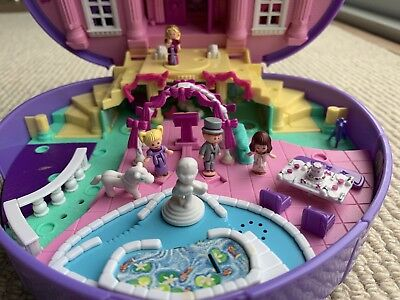 Vintage Polly Pocket Wonderful Wedding Party Music Plays with 5 Dolls