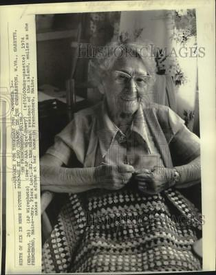 1974 Press Photo Flora Lunt, oldest resident of Frenchboro, Maine - noo40677