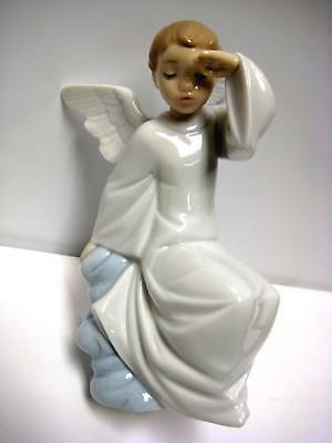 Watching Over You Angel Porcelain Figurine Nao By Lladro  1597