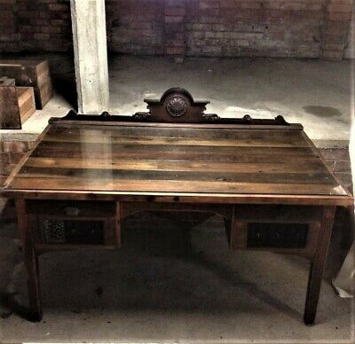 antique desk. vintage. pu only