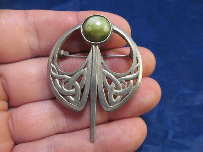 *Vintage Silver Tone Scottish Celtic Pin Brooch with Green Stone Signed Miracle