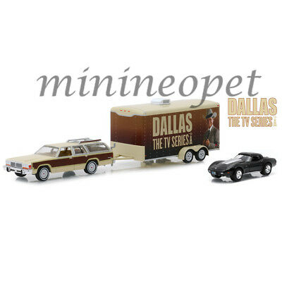 Greenlight 31070 C Hitch & Tow Dallas Ford Country Squire & Corvette C3 1/64 Set
