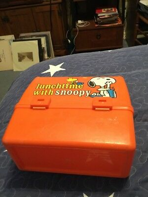 Plastic Lunchbox Lunchtime With Snoopy Peanuts