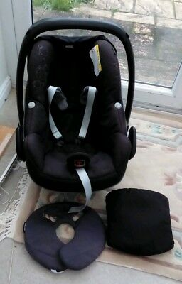 MAXI Cosi PEBBLE  car seat With hood , shoulder pads ,head & back support black