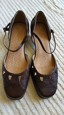Colorado Size 8.5 Brown Dress Shoes Low Heel Leather NWOT