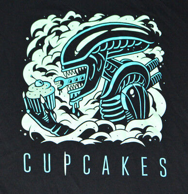 """Johnny Cupcakes Alien """"Cake Burster"""" Movie Themed Graphic T-Shirt Mens L NWT"""