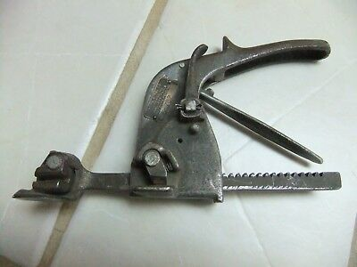 Acme Steel Co. Nailless Tools No. S-732 Banding Strapping Tool - Works smooth