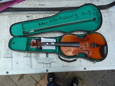 Student violin, 1/2 Size with bow and case.