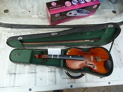 Student viola, 1/2 Size and with bow, pegs, and case.