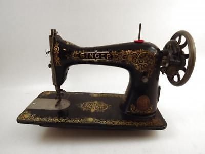 Antique 1919 SINGER Model 15 Sewing Machine Serial No. G6997838-Works