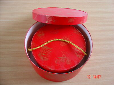 Vtg 1950s/60s Women's Hat Boxes from Elizabeth Arden ~ 2 Red Hat Boxes 2 Sizes