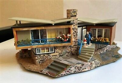 Rare Mid Century Modern Model Miniature Palm Springs House North by Northwest?