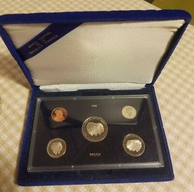 Dominican Republic 1986 original Proof Coin Set With Box [mintage just 1570]