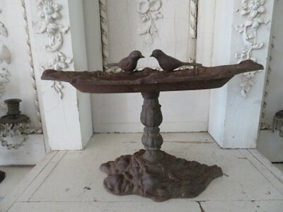 AWESOME Vintage Cast Iron Metal TABLETOP BIRDBATH 2 Birds Chippy Rusty Patina