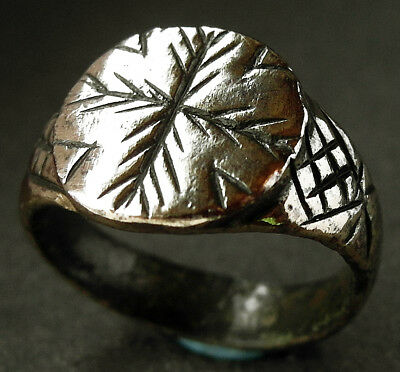 STUNNING GENUINE ANCIENT VIKING BRONZE DECORATED RING - wearable - VF