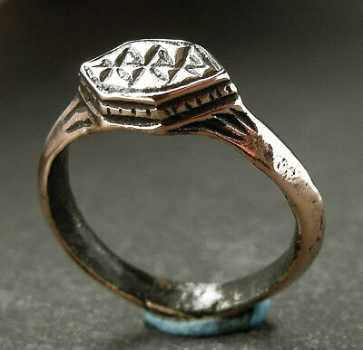 Beautiful genuine ancient Roman Æ ring. Museum condition - wearable