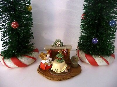 Wee Forest Folk Miniature Figurine CHRISTMAS EVE Mouse Fireplace Mantle M-191