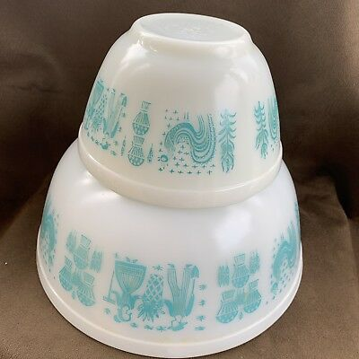 Two Bowl Set Pyrex Amish Butterprint Turquoise and White Mixing Bowls 401 403