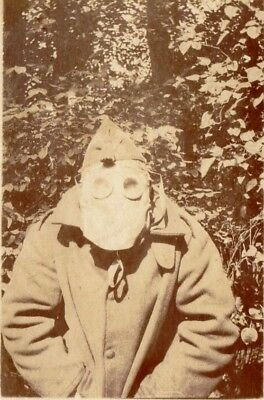 Photo - Poilu portant un Masque contre les GAZ - Guerre 1914 1918