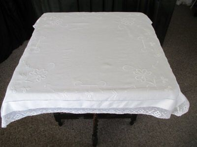 ANTIQUE TABLECLOTH - EMBROIDERY with LACE EDGE - LINEN