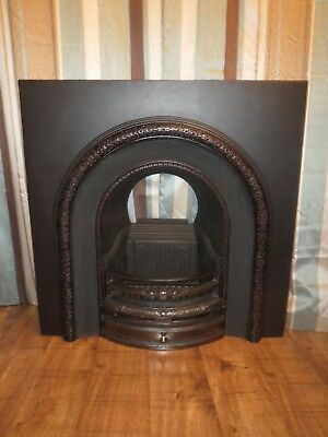 ORIGINAL VICTORIAN CAST IRON FIREPLACE FULLY RESTORED - STUNNING ! Ready to go !