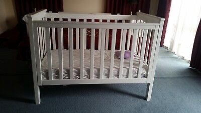Baby-Infant-Classic-Cot-With Mattress